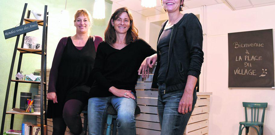 De g. à dr.: Chloé Lavanchy Scaiola, Dominique Jaton Devaud et Nadège de Benoit, heureuses de présenter leur nouveau défi
