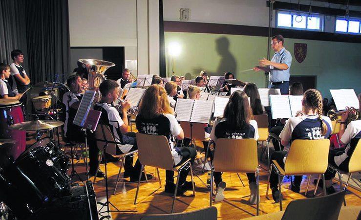 L'Ecole de musique de L'Harmonie d'Oron (les Cops) jouaient en première partie du concert de L'Harmonie d'Oron en début décembre